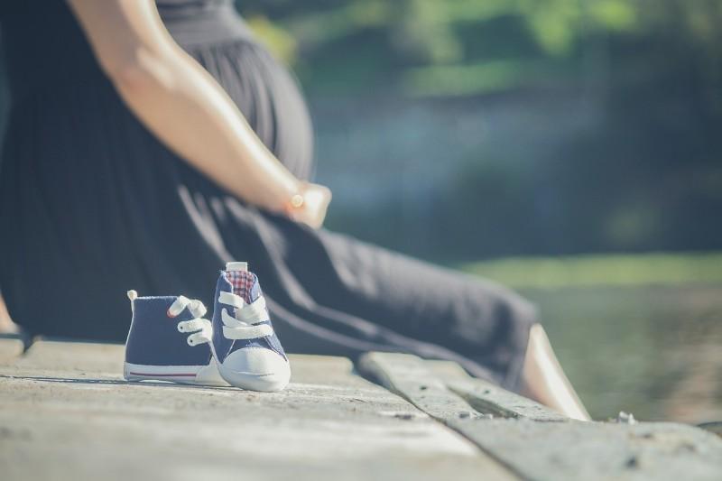pregnant-2720433_1280