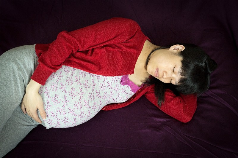 pregnant-woman-resting